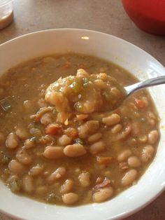 Low Calorie crock pot bean soup, 170 calories, 4 ww points plus!  find this and other low cal recipes at mommysonadiet.net
