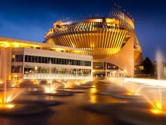 Casino of Montreal, discover worldwide casinos and their best offers at www.casinosavenue.com