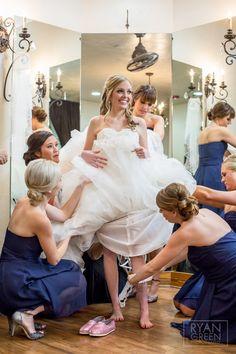 Getting ready! www.ryangreenphotography.com Austin Wedding Photographers - photos by Ryan & Lindsey Green