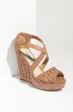 separation shoes 20a10 6a4de Prada Primavera Prada, Scarpe Con Zeppa, Sandali Con Zeppa, Stivali Piatti,  Scarpe