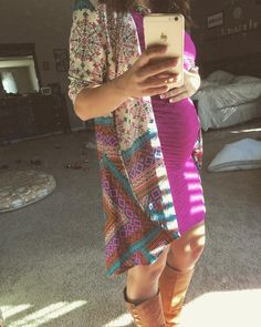 I am NOT pregnant but I love this outfit my friend got from BumpBox. The dress style, the color, the long 3/4 length Kimono. The colors. Just Love it! Would love to something similar in my Fix!