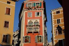 lady in black: Picturesque Rovinj #croatia #visitcroatia #chorvatsko #travelblogger #travel #picoftheday #rovinj #oldtown #travelphotography #traveleurope #europe #mediterranean #placestogo #coast #rovigno #colours #orange