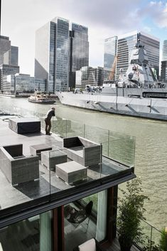 Floating home by Dirkmarine / House on Water  - concrete hull HUBB®