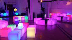 Ambientación en salón Ibiza con Living Leds...