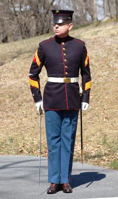 Uniform Packages | United States Marine Corps Historical Company Marine Corps Quotes, Marine Corps History, Marine Corps Bases, Military History, Ww1 History, Marine Corps Uniforms, Marine Officer, Navy Uniforms, Military Uniforms