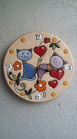 New Photo clay pottery painting Thoughts ceramica come mestiere: Orologio da parete in ceramica smaltata. Stone Crafts, Clay Crafts, Ceramic Painting, Ceramic Art, Pottery Painting Designs, Cd Art, Art N Craft, Clock Craft, Plate Art