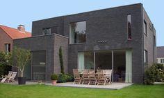 Een goed voorbeeld van de uitstraling van de wijk als hij af is. Moderne huizen met een plat dak. Marnix