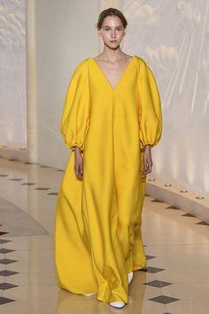 Emilia Wickstead #VogueRussia #readytowear #rtw #springsummer2018 #EmiliaWickstead #VogueCollections