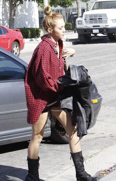 2f09ed62fdf0 iheartmiley-del-rey  Lana Del Rey and Miley Cyrus blog Mary Kate Ashley