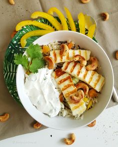 Wilde rijstsalade met gegrilde halloumi Halloumi, Lunches, Camembert Cheese, Healthy Living, Dairy, Low Carb, Vegetarian, Vegan, Chicken