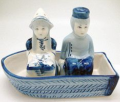 Visit http://shop.holland.com/cadeau-souvenir/delfts-blauw/ for more Dutch Design home and garden accessories and modern Delft blue salt and pepper shakers