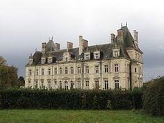 Chateau de Tressé --  Pouancé  France ----  Illustrative image Article Braided Castle