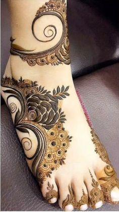 Simple Feet Mehndi Designs Ideas - The Handmade Crafts Dulhan Mehndi Designs, Mehandi Designs, Mehndi Designs Feet, Latest Bridal Mehndi Designs, Khafif Mehndi Design, Mehndi Designs Book, Mehndi Designs For Girls, Mehndi Designs For Beginners, Mehndi Design Photos
