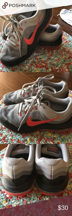 Nike Max Dynasty 2 shoes Gently used boys Nike shoes. Great used condition and clean. Nike Shoes Sneakers