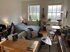 Small Apartment Interior, Small Apartment Design, Studio Apartment Decorating, Apartment Living, Living Room, Bedroom Setup, Room Decor Bedroom, Bachelor Room, Bachelor Pad Decor