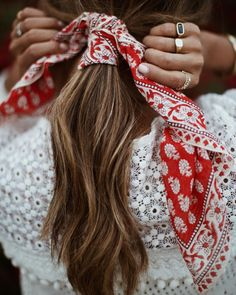 Hair scarf. Cute!