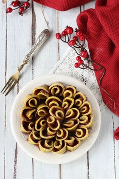 Easy and tasty, with no butter nor eggs but ricotta in the dough. Eat it petal after petal! Healthy Sweets, Sweet And Salty, Sweet Recipes, Nom Nom, Waffles, Eggs, Yummy Food, Sweet Ideas, Italian Recipes