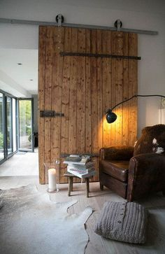 """""""It doesn't have to be perfect!"""" - visiting the old one-""""Es muss nicht ganz perfekt sein!"""" – zu Besuch auf dem alten Hof von Bini-Bee """"It doesn't have to be perfect!"""" – Visiting the old courtyard of Bini-Bee Chalet Design, House Design, Sala Grande, Home Modern, Old Farm, Steel Doors, House Rooms, Future House, House Plans"""