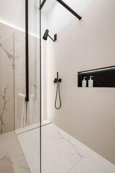 Modern design in a classic interior - . - Modern design in a classic interior – # interior - Chic Bathrooms, Dream Bathrooms, Modern Bathroom, Dyi Bathroom, Bathroom Black, Modern Shower, Rustic Bathrooms, Bad Inspiration, Bathroom Inspiration