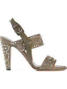 Comprar Valentino Garavani 'Microstud' sandals en Pearl de las mejores boutiques independientes del mundo a farfetch.com. Más de 1000 diseñadores de 300 boutiques en un sitio web.