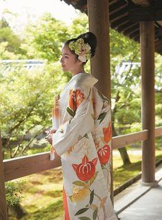 ホテルオークラ東京衣裳サロン ヴェル フェリーチェ(Hotel Okura Tokyo Costume Salon Vellferice) 千總 白地枝橘