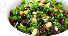 El Kale es una verdura de color intenso donde se concentran muchas vitaminas y minerales, es también conocido como col rizada, col berza. Esta fantástica ensalada es ideal para los almuerzos y cenas, para los amantes de la comida libre de grasas malas. ¿Qué debo tener?  8 hojas de kale 1 mango picado en…