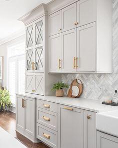 Kitchen Room Design, Kitchen Cabinet Design, Kitchen Redo, Home Decor Kitchen, Interior Design Kitchen, Home Kitchens, Kitchen Remodel, Taupe Kitchen, Two Tone Kitchen