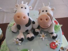 . Buttercream Filling, Chocolate Buttercream, Cow Cakes, Farm Cake, Marble Cake, Cute Cows, Sugar Craft, Fondant Figures, Specialty Cakes