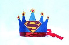 superhero crown for Haiyden! Superman Birthday Party, Leo Birthday, Prince Birthday, Avengers Birthday, 10th Birthday Parties, Boy First Birthday, Superhero Party, Birthday Ideas, Nursery Crafts