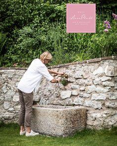 Ein weiteres neues Detail in unserem Garten 😍 der neue Steinbrunnen ... könnt ihr euch noch ans Video erinnern, als er geliefert wurde? 🙈 das war eine Challenge 😂 aber jetzt: wunderschön! ❤️ was meint ihr? 😍 wir haben wieder offen! 🤩 keine Stornogebühren und Preisstabilität! 👉 Wir freuen uns auf euch 😘 🤩 Urlaub in Österreich, immer eine Reise wert! 😘😘 Zimmerbuchungen bitte direkt unter: www.hausannaplochl.at 😘 💚 . . Bed & Breakfast Bad Aussee. ❤️ stay tuned & subscribe our… Bad, Challenge, Instagram, Videos, You're Welcome, Voyage, Lawn And Garden