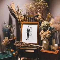 似顔絵作家:るつ 似顔絵ウェルカムボードのWORLD1(ワールドワン) Wedding Entry Table, Wedding Reception Tables, Tent Wedding, Wedding Event Planner, Wedding Coordinator, Wedding Events, Wedding Welcome Board, Event Lighting, Wedding Lighting