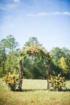 ✔ 23 bright sunflower wedding decoration ideas for your rustic wedding 00014 Georgia Wedding Venues, Rustic Wedding Venues, Farm Wedding, Wedding Ideas, Church Wedding, Forest Wedding, Wedding Barns, Dream Wedding, Cowgirl Wedding