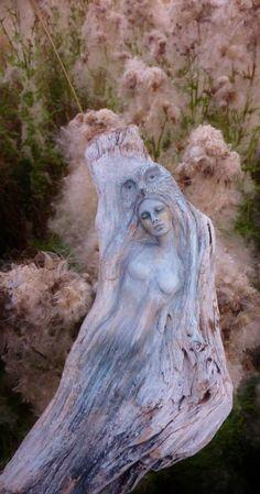 Driftwood Spirit Sculptures by Debra Bernier by ShapingSpirit - Etsy www.etsy.com/uk/shop/ShapingSpirit
