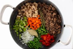 Combine tender vegetables and savory ground beef in a flavorful broth to get a mouthwatering vegetable soup with ground beef, packed with vitamins, minerals, and protein. Easy Vegetable Beef Soup, Slow Cooker, Soup With Ground Beef, Veggie Recipes, Protein Recipes, Frozen Vegetables, Cafe Food, Special Recipes, Rind