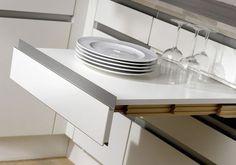 Une table tiroir pour une cuisine sans place Home Organization, Organizing, Kitchen Storage, Tableware, Place, House, Home Decor, Pantry, Kitchen Ideas