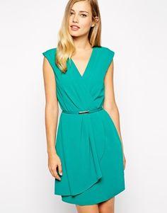 Buy Oasis Plain Tuck Crepe Dress at ASOS. Get the latest trends with ASOS now. Mint Dress, Dress Up, Dressy Dresses, Dresses For Work, Corsage, Vestidos Color Menta, Oasis, Costume, Elegant Outfit