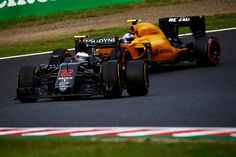 Both cars on the Options and pushing hard. Button P13 Alonso P18 #JapaneseGP #F1