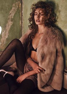 ondria hardin by mariano vivanco for vogue russia - nina ricci