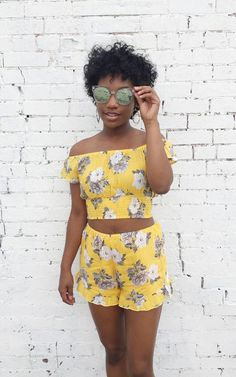 Two piece set outfit. Summer florals. crop top outfit idea. Quay sunnies. Summer outfit inspo