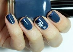 The Nail Network: TDOCNAS: Day 5: Navy Snowflake French Manicure
