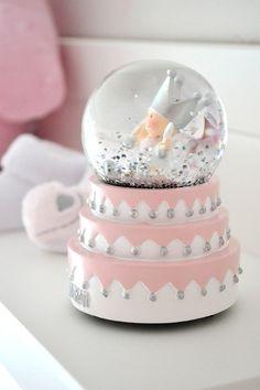 Snowbowl girls BamBam, natuurlijk bij ons online te koop: http://www.blauwlifestyle.nl/nl/lifestyle.html?merken=485 #babygirls #babyroom #babygirlsroom