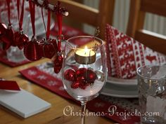 christmas table decorations using red and white | Christmas Table Decoration in Red and White 3