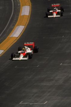 luimartins:                   1989 Ayrton Senna Alain Prost McLaren Honda, during the Mexican Grand Prix at the Mexico City circuit. Senna finished in first place and Prost in fifth after choosing the wrong type of tyres.