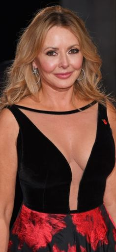 Carol Vorderman is a British media personality. She is popularly known us for popular game show Countdown as a co- hosted. Beautiful Old Woman, Gorgeous Women, Sexy Older Women, Sexy Women, Carol Vordeman, Tv Presenters, Hot Dress, Vintage Girls, Celebs