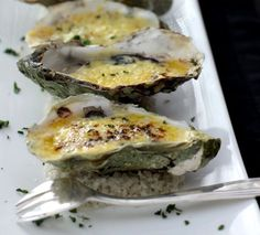 Cooked oysters served hot on the half shell. Oven grilled oysters with grilled Italian prosciutto served on the half shell. Oven Recipes, Fish Recipes, Seafood Recipes, Appetizer Recipes, Great Recipes, Appetizers, Cooking Recipes, Cooking Kale, Cooking Corn