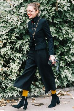 All black chic work comfortable professional and stylish With a pop of yellow