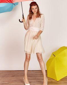 Robe de mariee courte a manches longues boheme et romantique pas cher en dentelle sexy - Boutique de créatrice de robe de mariée créateur et sur-mesure pas cher sur Paris - Myphilosophy Mariage