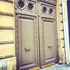 Magnifique porte Parisienne...