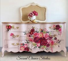 Furniture rub on transfers by ReDesign with Prima are really easy to use and exceptionally detailed and gorgeous. They are simply a decal for furniture. Floral Furniture, Paint Furniture, Shabby Chic Furniture, Shabby Chic Decor, Furniture Projects, Barbie Furniture, Garden Furniture, Furniture Design, How To Decoupage Furniture