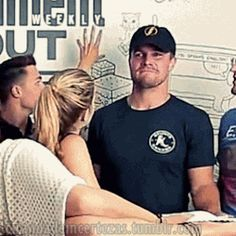 Stephen Amell and Emily Bett Rickards at SDCC 2014 - stephen-amell-and-emily-bett-rickards Fan Art